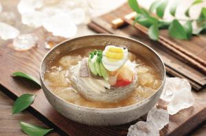 Món mỳ lạnh trong âm thực truyền thống Hàn Quốc