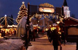 Chợ Giáng sinh Joulutori bán nhiều món đồ dành cho ngày lễ giáng sinh
