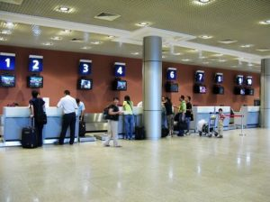 Nơi của làm thủ tục bay ở sân bay Quốc tế Phnom Penh, Campuchia