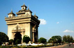 Khải Hoàn Môn Patuxay điểm du lịch nổi bật ở Lào