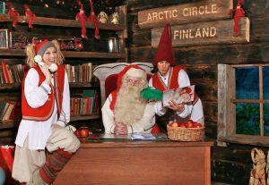 Đến đây, du khách sẽ được ngắm nhưng ông già Noel bằng da bằng thịt
