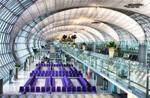 Phòng chờ hiện đại ở sân bay quốc tế Bangkok, Thái Lan