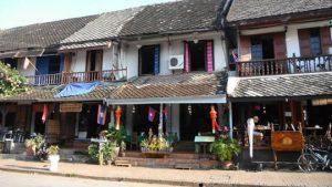 Phổ cổ Luông Prabang có chút điểm tương đồng phố cổ Hội An