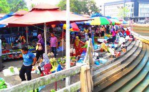Khu chợ trời Tamu Kianggeh với muôn màu sắc
