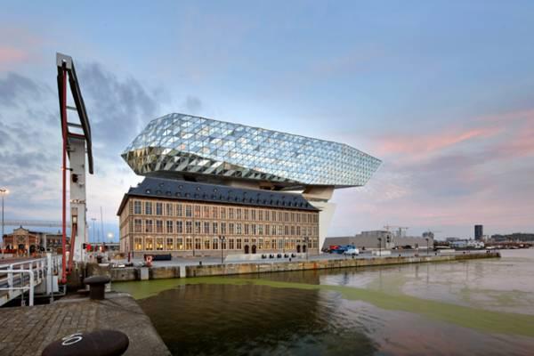 Con tàu kim cương đầy hấp dẫn ở nước Bỉ